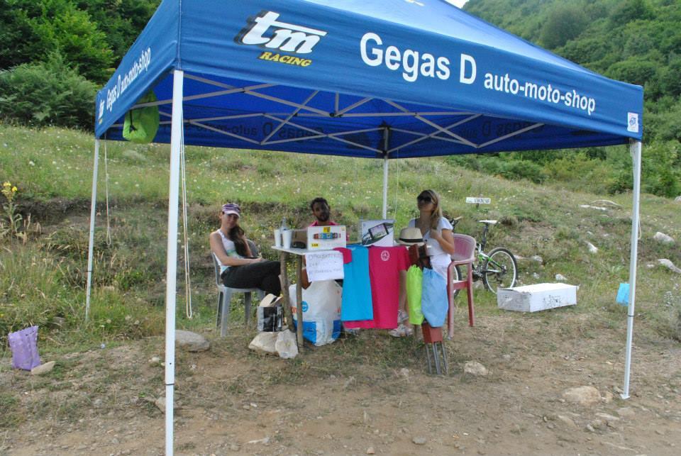 Gegas D 2